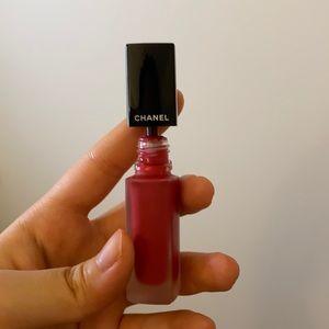 Chanel lipgloss in shade 150
